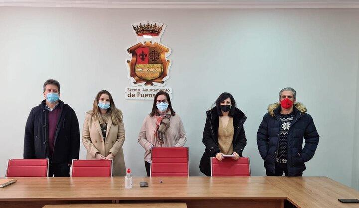 osé María Mercado (Jamilena), Ana Morillo (Los Villares), Paqui Molina ( Fuensanta ), Laura Nieto (Valdepeñas de Jaén) y Manuel Latorre (La Bobadilla, Alcaudete), reunidos.